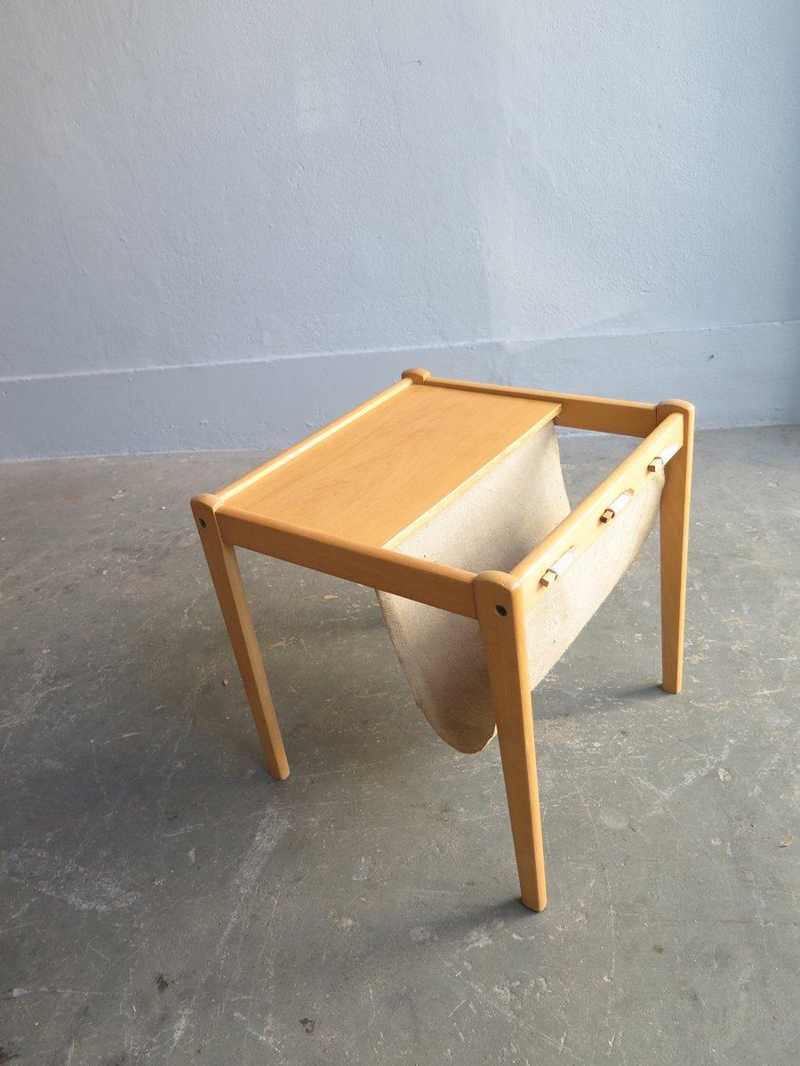 d nischer beistelltisch aus birke mit zeitungsst nder. Black Bedroom Furniture Sets. Home Design Ideas