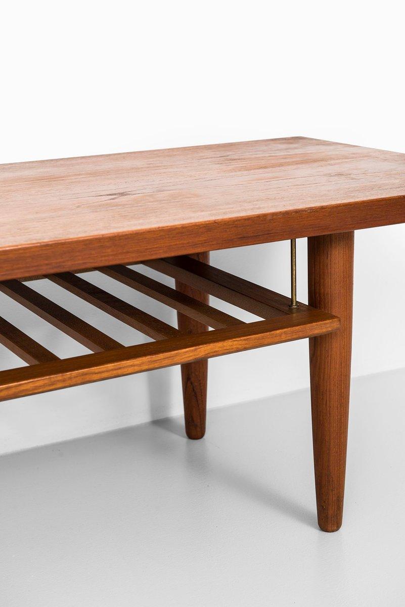 skandinavischer langer beistelltisch mit ablage 1950er. Black Bedroom Furniture Sets. Home Design Ideas