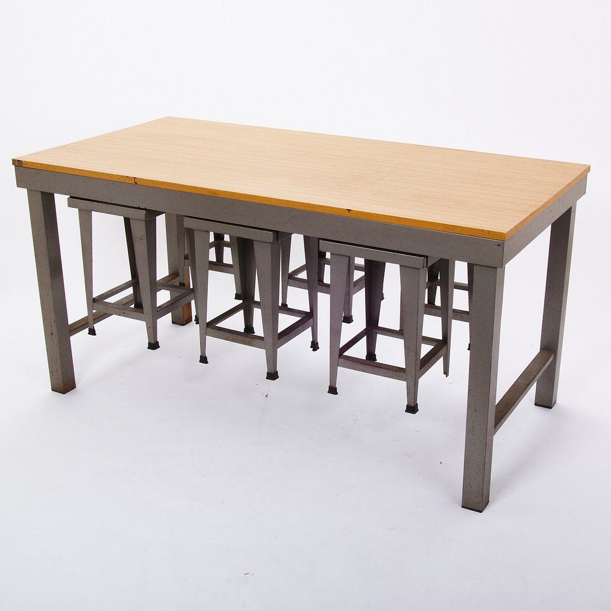 vintage industrial style table with stools for sale at pamono. Black Bedroom Furniture Sets. Home Design Ideas