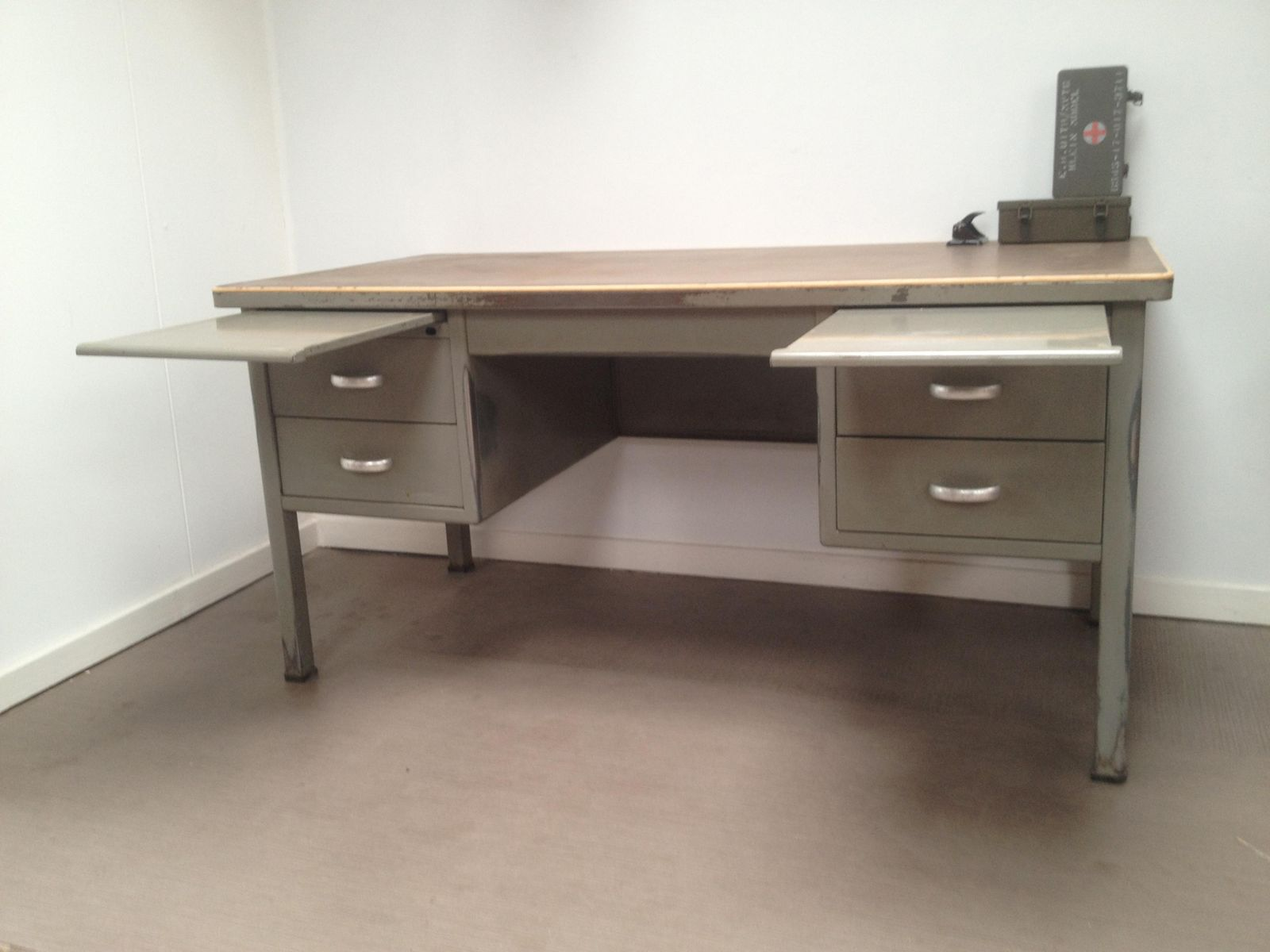 dutch industrial desk from gispen 1958 for sale at pamono. Black Bedroom Furniture Sets. Home Design Ideas