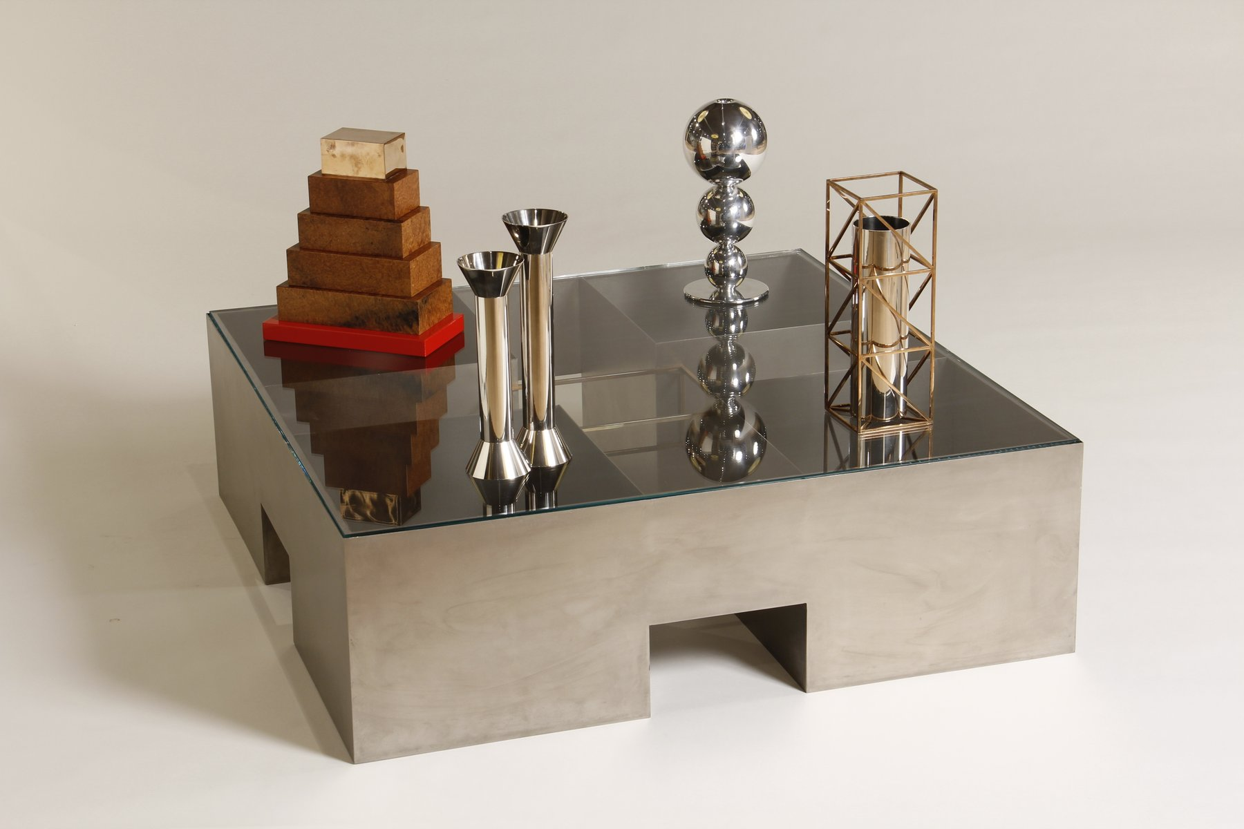 Italian coffee table with objects by alessandro mendini for Table ke design