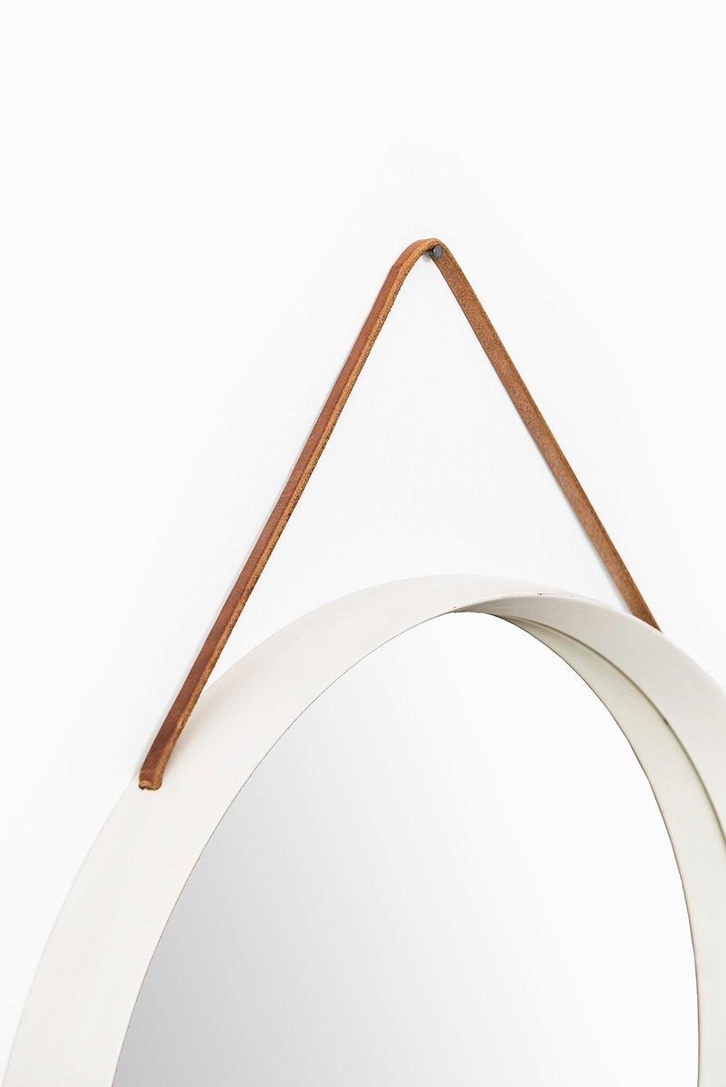 runder vintage spiegel mit wei em rahmen und lederriemen bei pamono kaufen. Black Bedroom Furniture Sets. Home Design Ideas