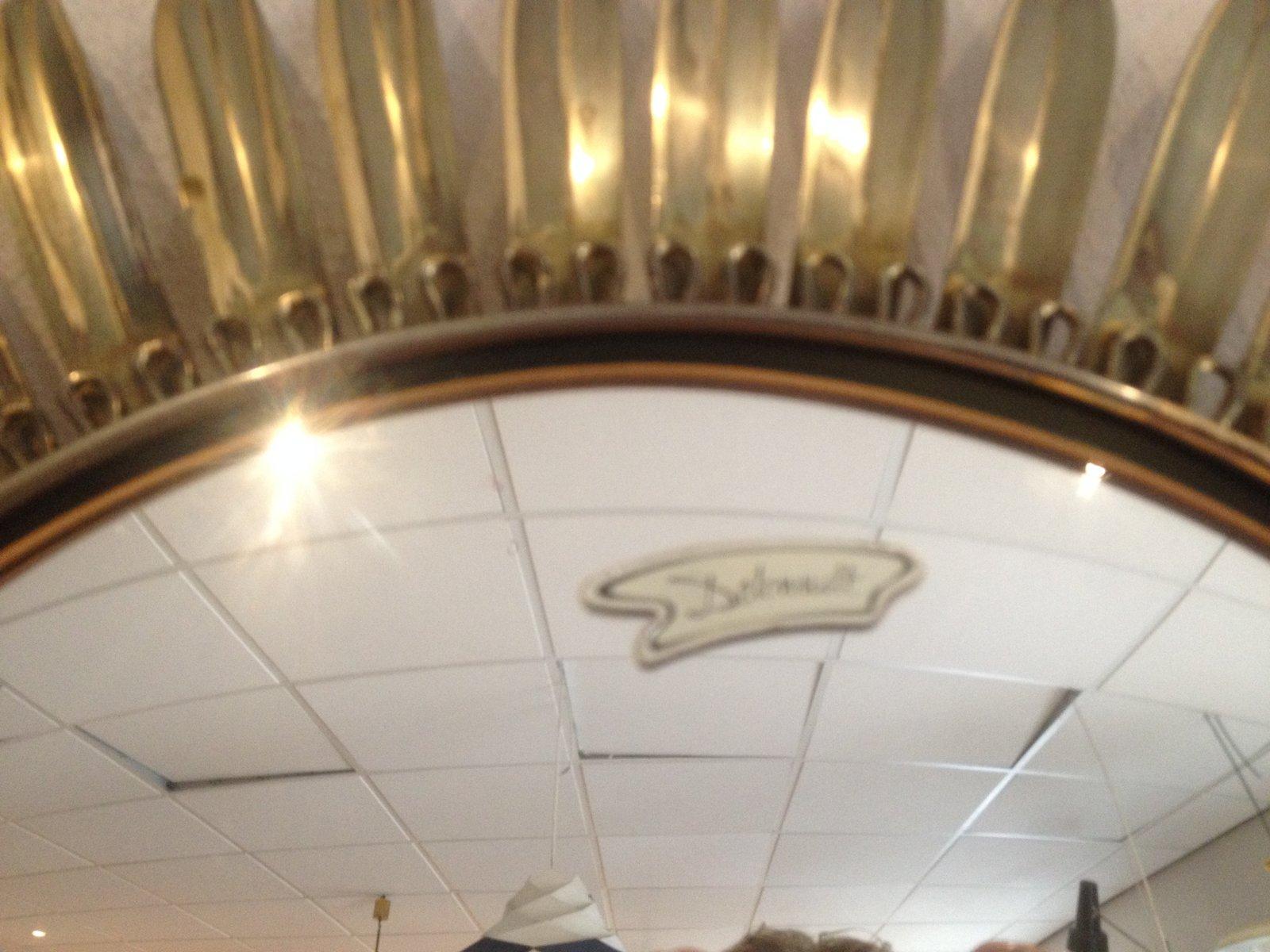 hollywood spiegel mit rahmen in sonnen optik 2er set bei. Black Bedroom Furniture Sets. Home Design Ideas