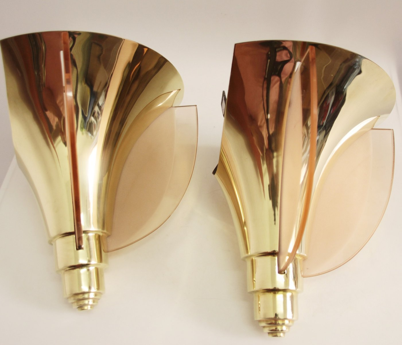French Art Deco Corner Wall Light from Henri Petitot, 1930s for ...