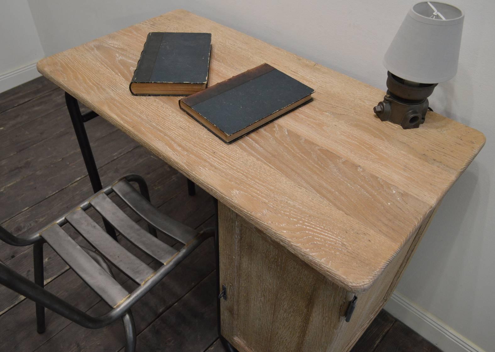 s22 schreibtisch von jacques hitier f r mobilor 1950er bei pamono kaufen. Black Bedroom Furniture Sets. Home Design Ideas