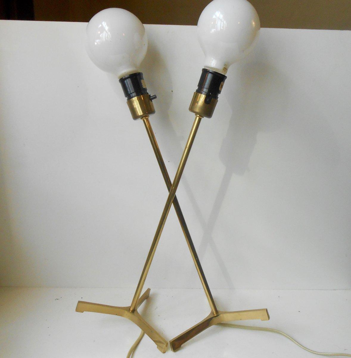 Lampade da tavolo moderne tripodi in ottone con lampadine XL ...