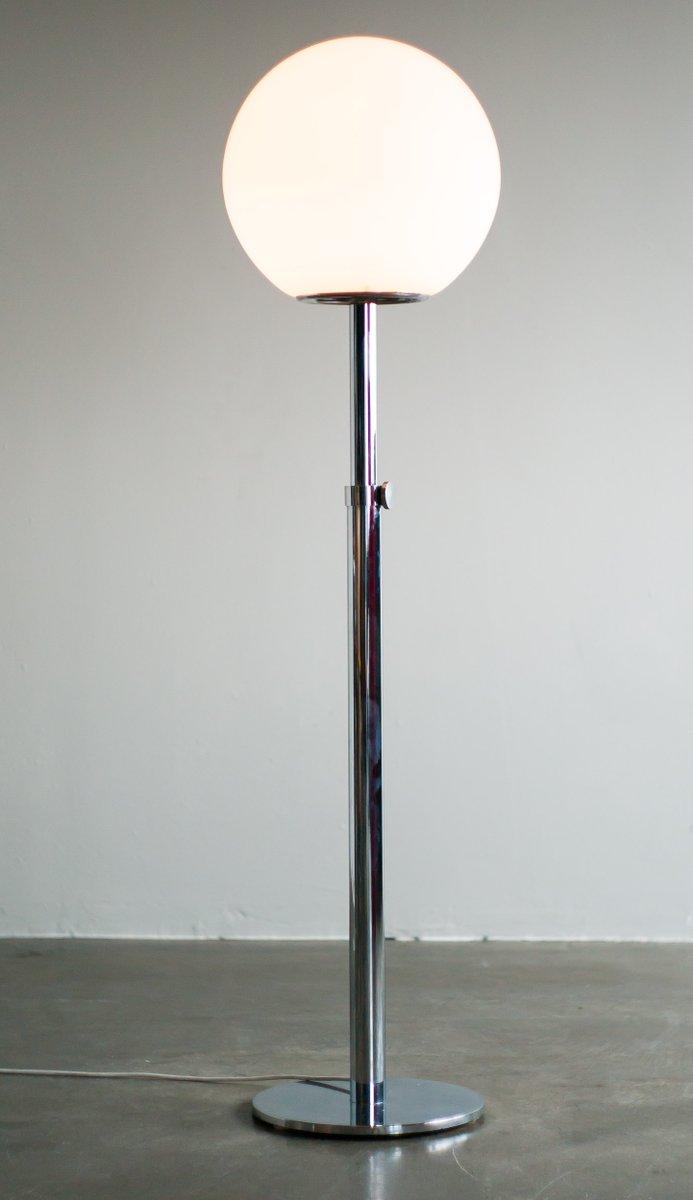 italienische moderne stehlampe aus opalglas 1977 bei pamono kaufen. Black Bedroom Furniture Sets. Home Design Ideas