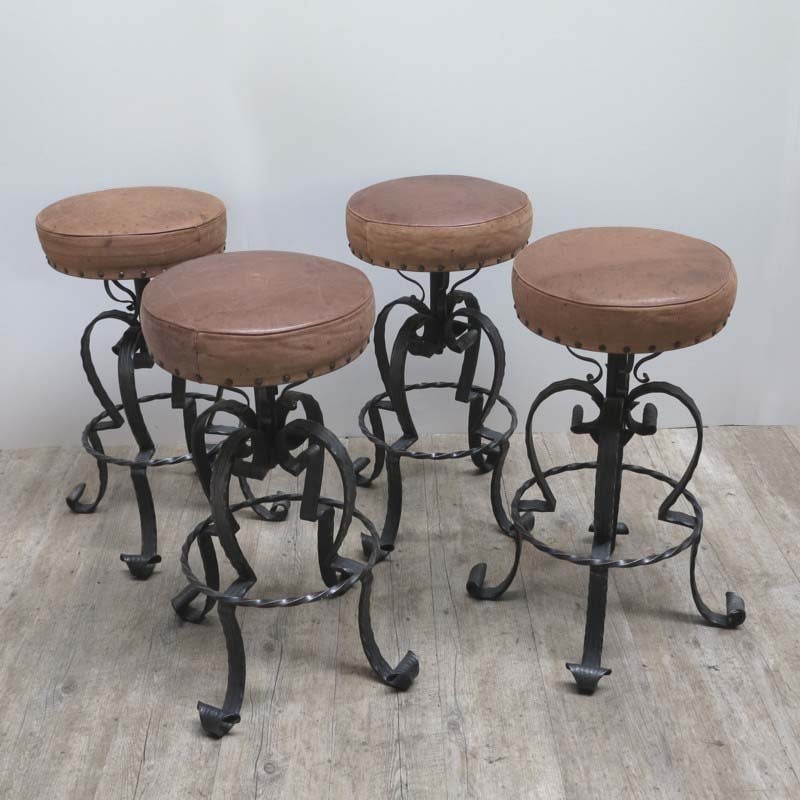 deutsche vintage barhocker aus schmiedeeisen leder. Black Bedroom Furniture Sets. Home Design Ideas