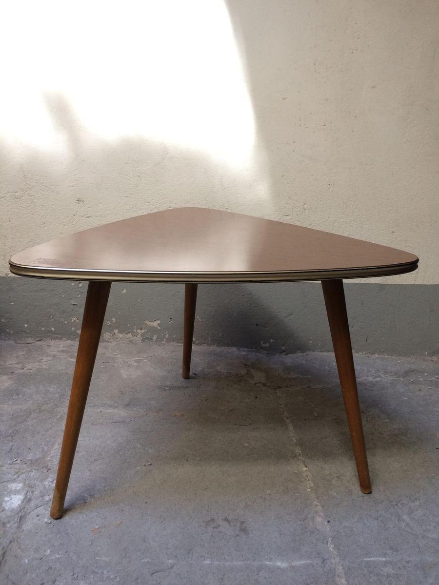 italienischer dreibein couchtisch aus holz 1950er bei. Black Bedroom Furniture Sets. Home Design Ideas