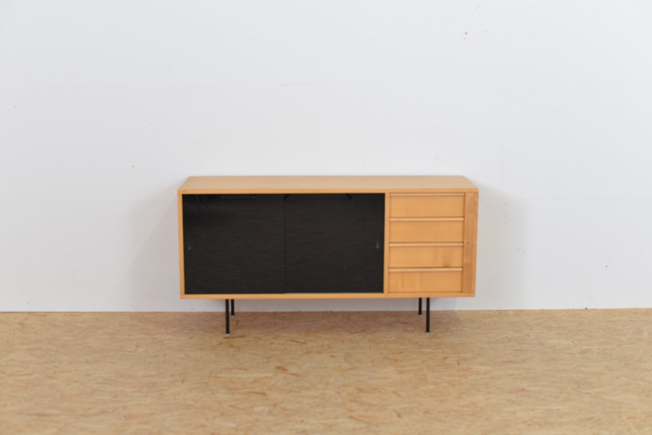 birkenholz sideboard mit glast ren 1960er bei pamono kaufen. Black Bedroom Furniture Sets. Home Design Ideas