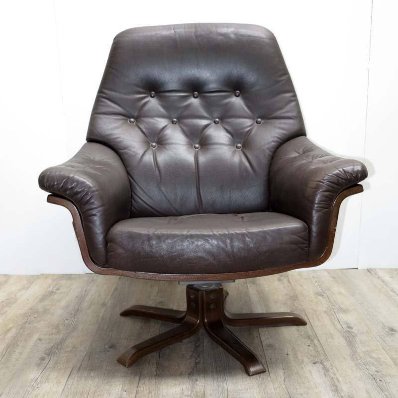 vintage ledersessel mit ottomane im skandinavischen stil bei pamono kaufen. Black Bedroom Furniture Sets. Home Design Ideas