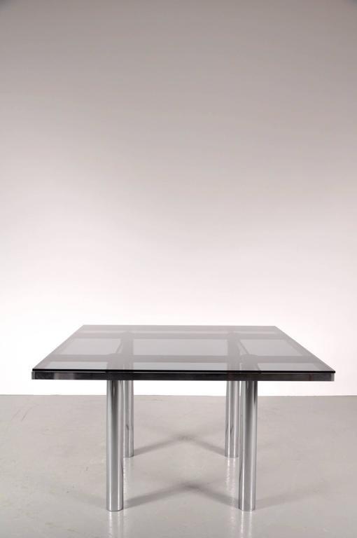 Tavolo da pranzo in vetro fumé di Tobia Scarpa per Gavina Italy ...