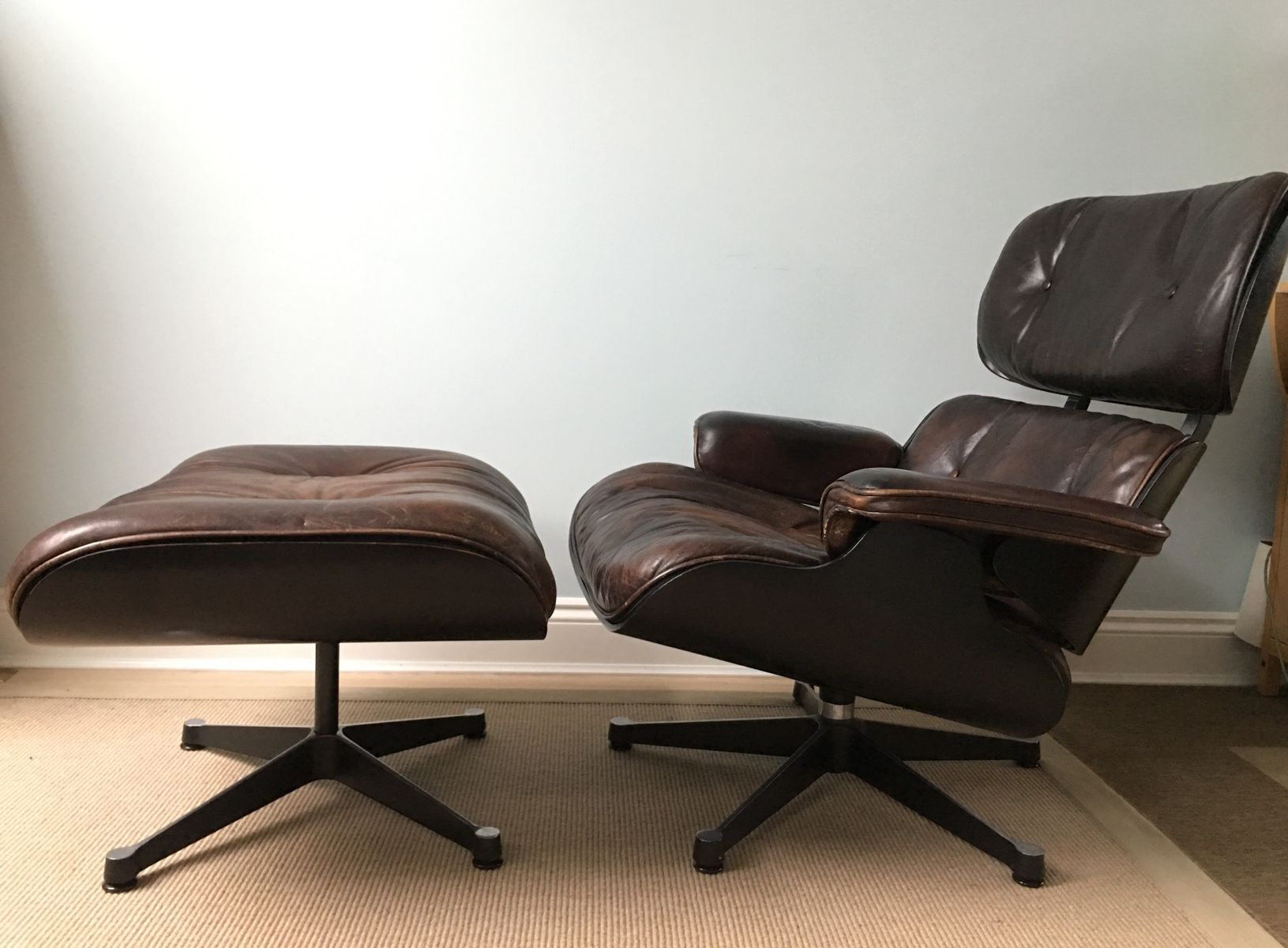 vintage 670 sessel und 671 ottoman von charles und ray eames f r vitra bei pamono kaufen. Black Bedroom Furniture Sets. Home Design Ideas
