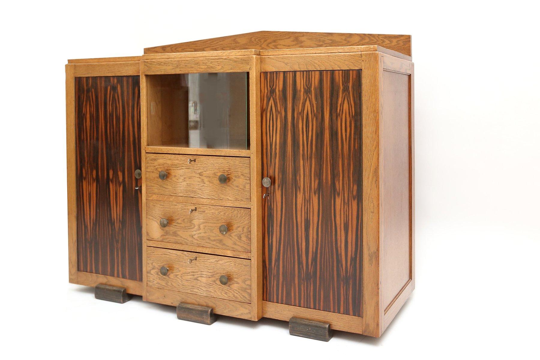 gro er amsterdamer schule schrank 1920er bei pamono kaufen. Black Bedroom Furniture Sets. Home Design Ideas