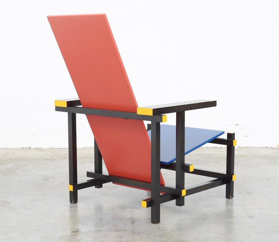 Chaise rouge et bleue par gerrit rietveld pour cassina - La chaise rouge et bleue de gerrit rietveld ...