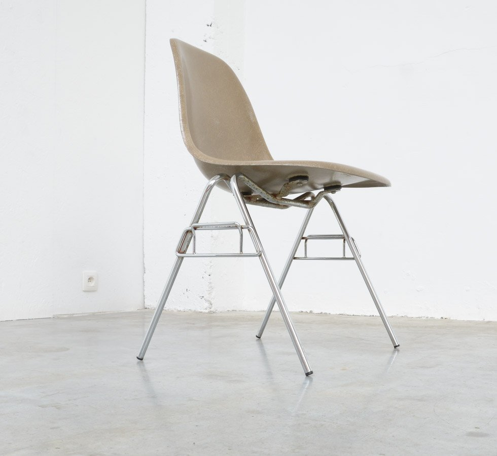 Fiberglass Side Chair By Charles U0026 Ray Eames For Herman Miller For Sale At  Pamono