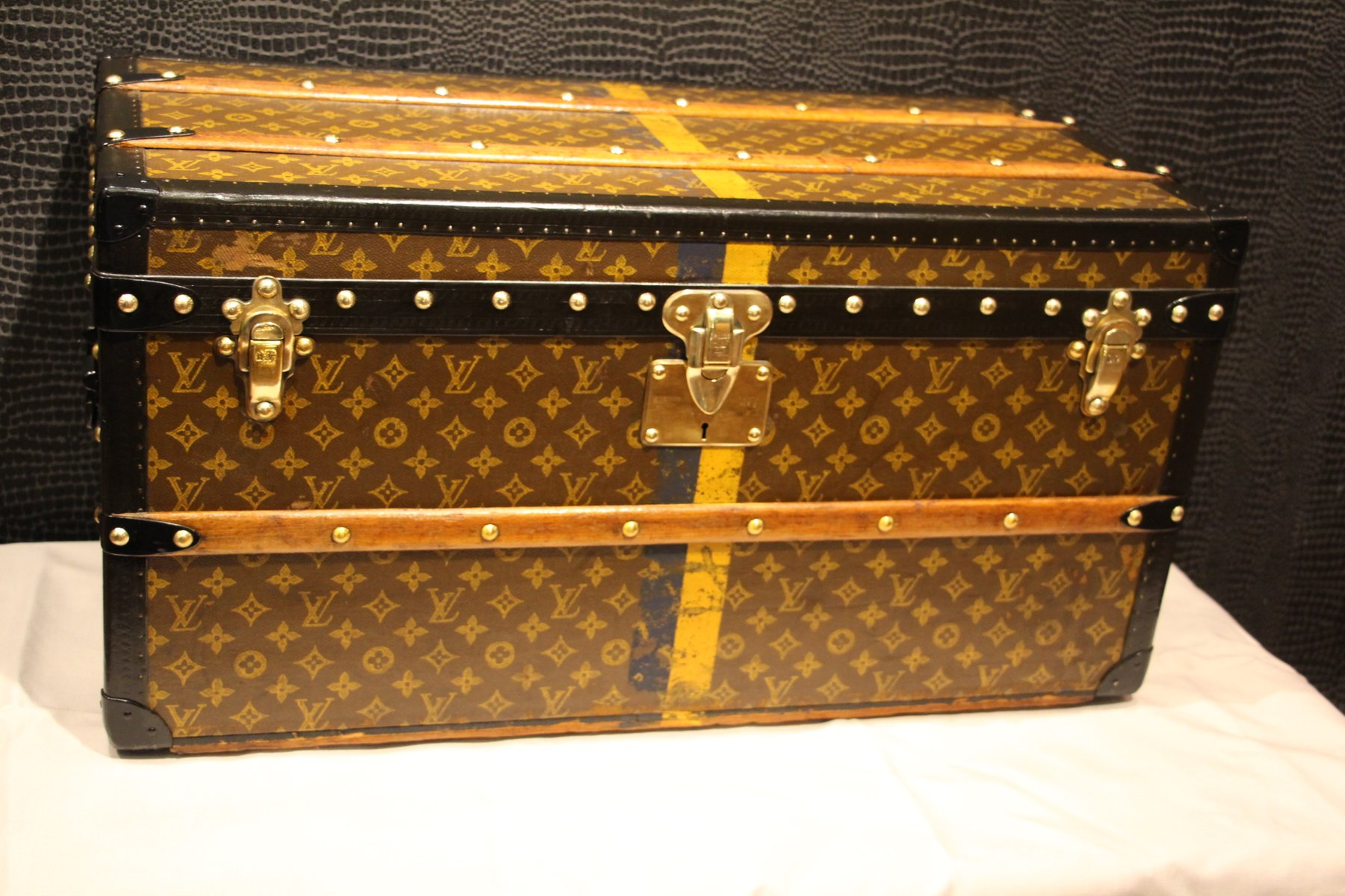vintage schuh koffer von louis vuitton 1920er bei pamono kaufen. Black Bedroom Furniture Sets. Home Design Ideas