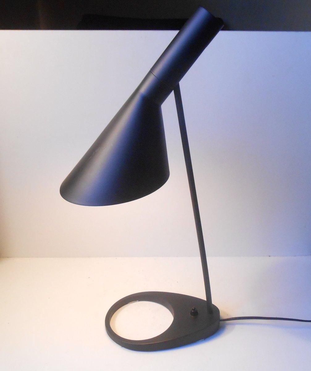 Lampada da tavolo AJ vintage nera di Arne Jacobsen per Louis Poulsen in vendita su Pamono