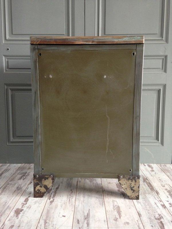 meuble militaire vintage industriel france en vente sur pamono. Black Bedroom Furniture Sets. Home Design Ideas
