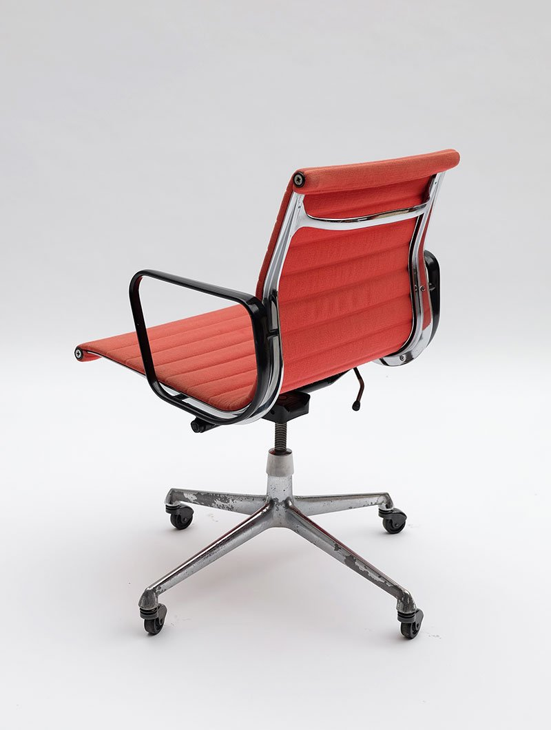 EA117 Office Armchair By Charles U0026 Ray Eames For Herman Miller