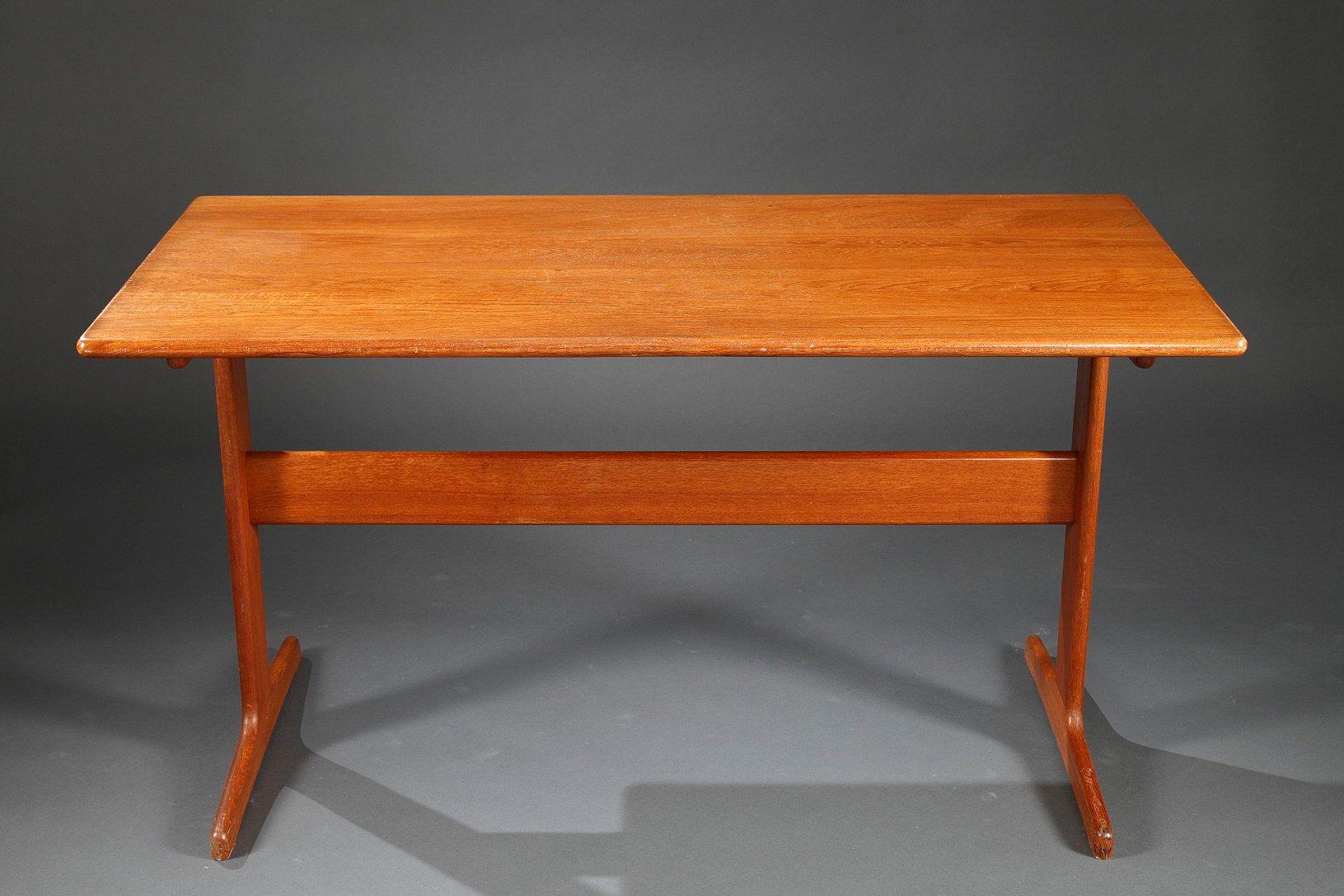 skandinavischer teak schreibtisch mit zwei geraden tischbeinen 1960er bei pamono kaufen. Black Bedroom Furniture Sets. Home Design Ideas