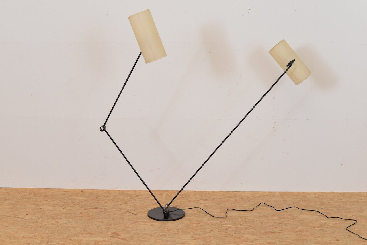 schweizer stehlampe mit zwei leuchten 1950er bei pamono kaufen. Black Bedroom Furniture Sets. Home Design Ideas