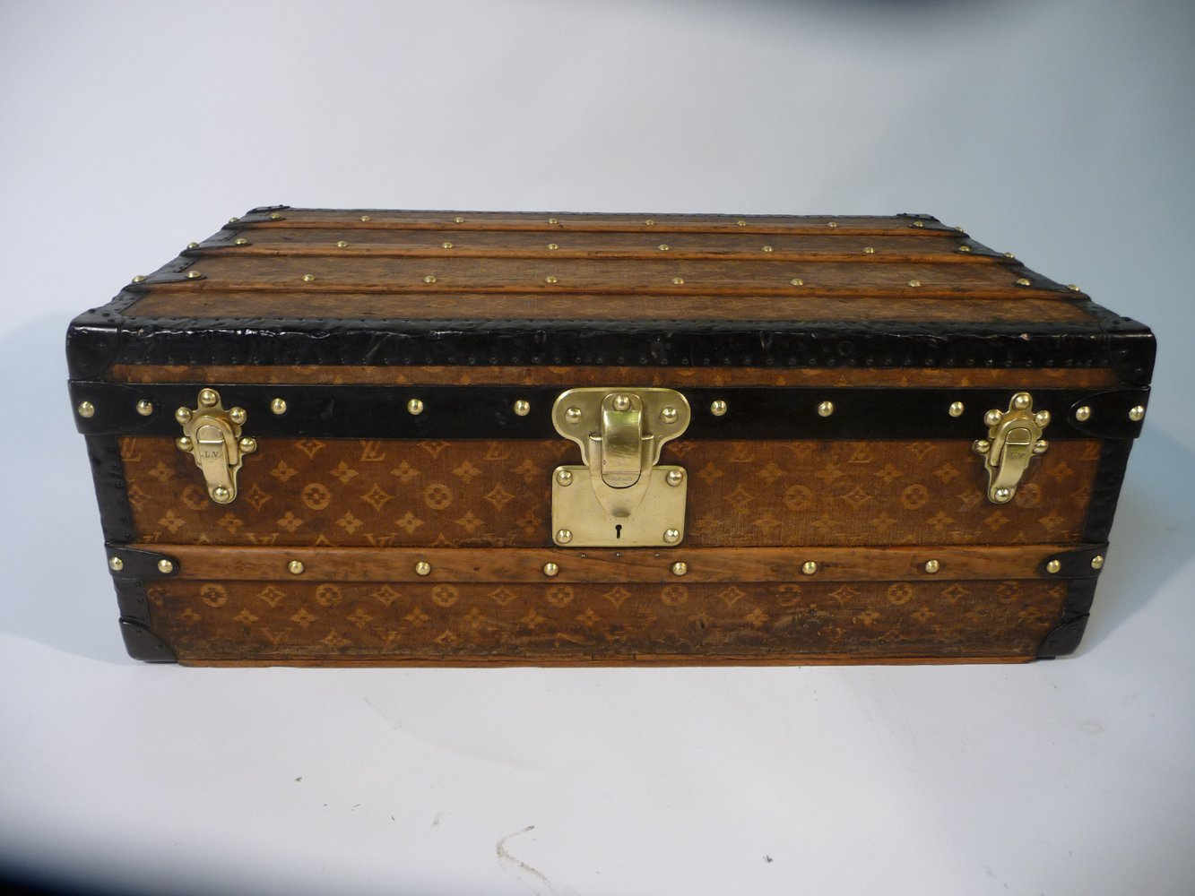 cabin trunk from louis vuitton  1900 for sale at pamono