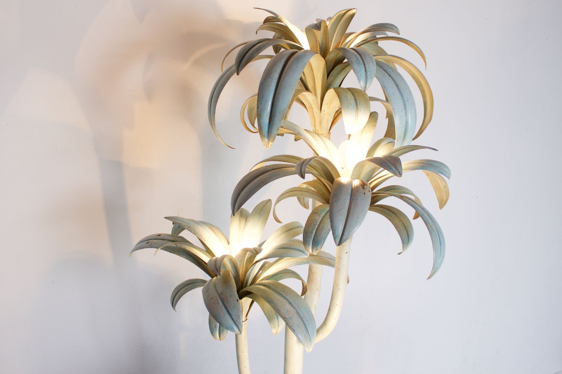 Large italian hollywood regency palm tree floor lamp 1970s for large italian hollywood regency palm tree floor lamp 1970s aloadofball Gallery