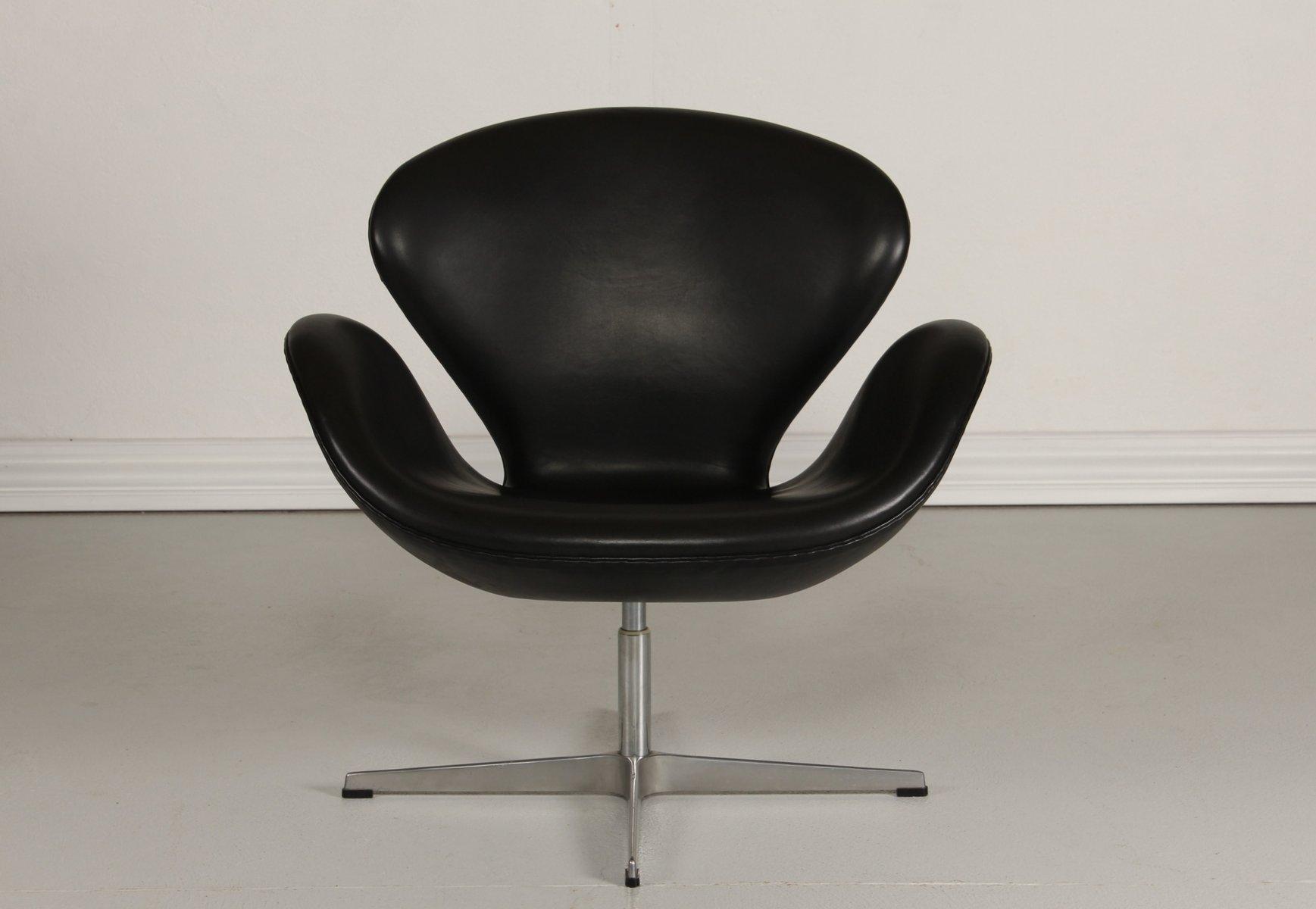 black swan chair by arne jacobsen for fritz hansen 1981 for sale at pamono. Black Bedroom Furniture Sets. Home Design Ideas