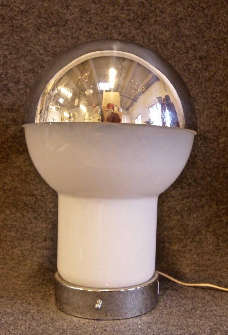 italienische tischlampe aus glas verchromtem metall. Black Bedroom Furniture Sets. Home Design Ideas