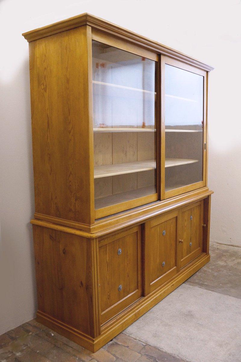 deutscher schrank mit glasvitrine und schiebet ren 1910er bei pamono kaufen. Black Bedroom Furniture Sets. Home Design Ideas