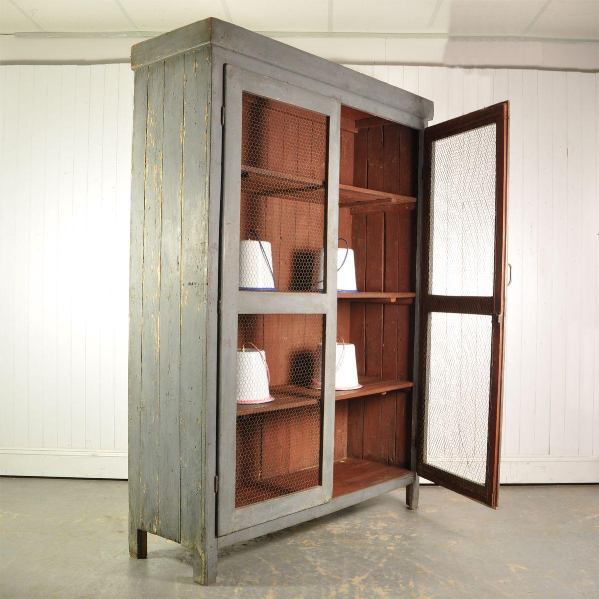 gro er italienischer schrank 1920er bei pamono kaufen. Black Bedroom Furniture Sets. Home Design Ideas