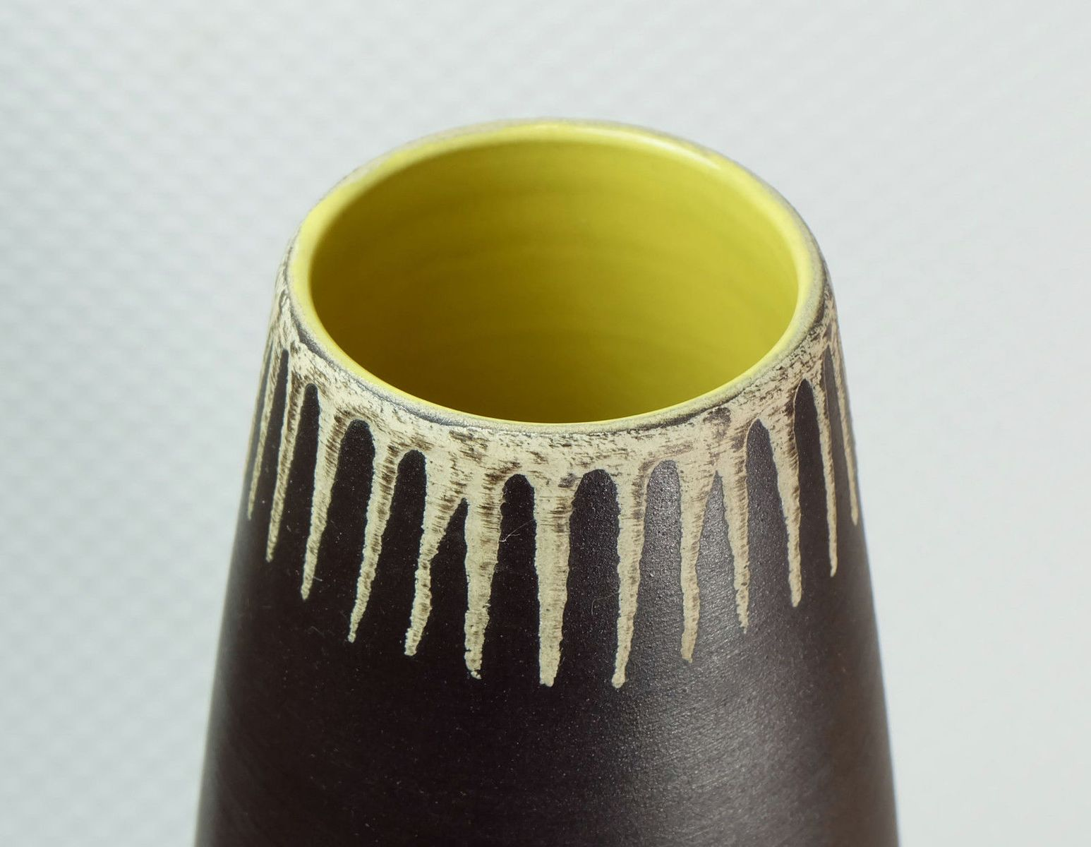 Mid century modern vase from dmler breiden for sale at pamono mid century modern vase from dmler breiden reviewsmspy
