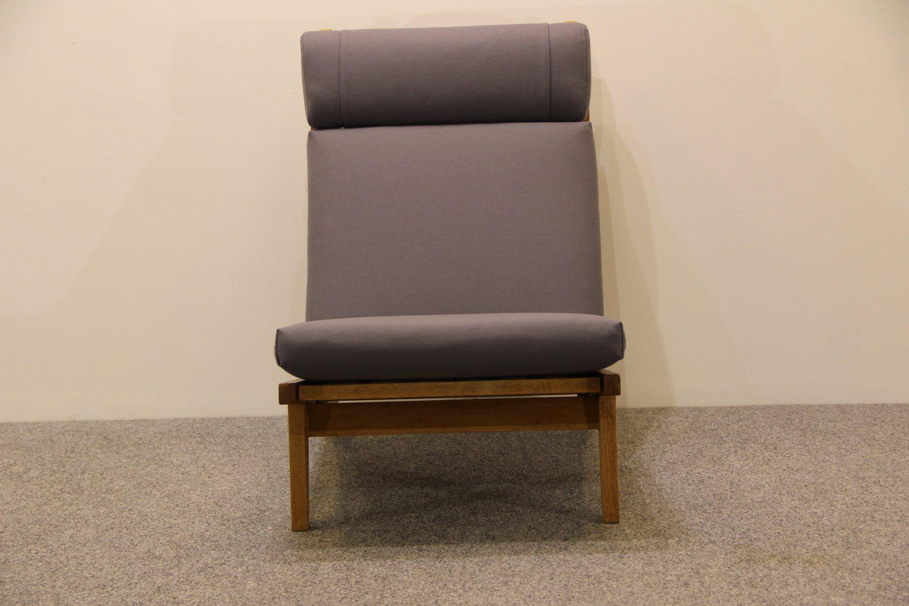 d nischer sessel aus eiche von hans j wegner f r getama. Black Bedroom Furniture Sets. Home Design Ideas