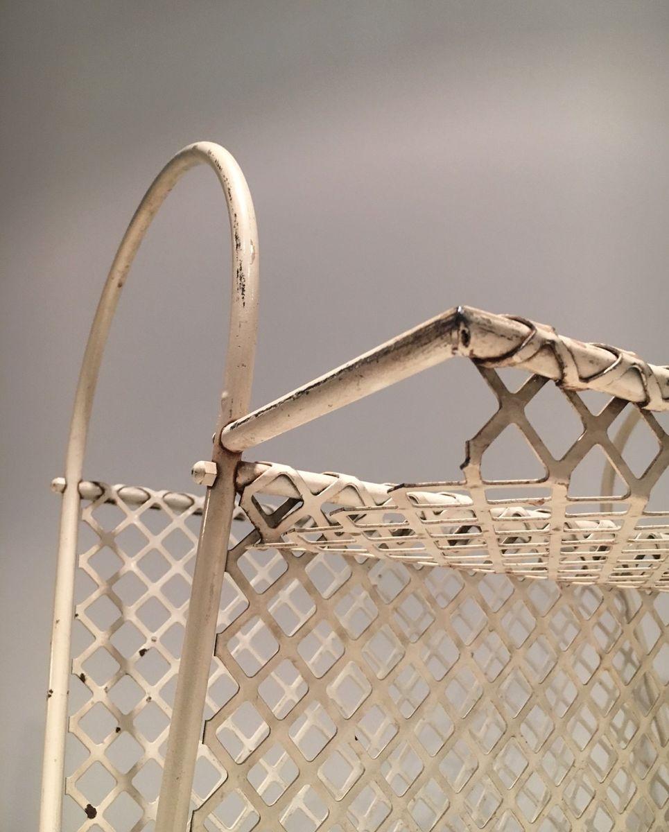 wei er vintage metall zeitungsst nder bei pamono kaufen. Black Bedroom Furniture Sets. Home Design Ideas