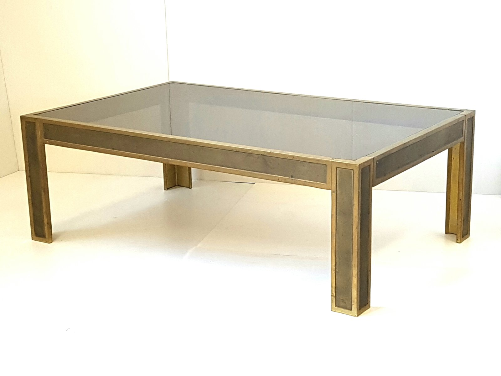 table basse en bronze et en verre fum pays bas 1970s en vente sur pamono. Black Bedroom Furniture Sets. Home Design Ideas