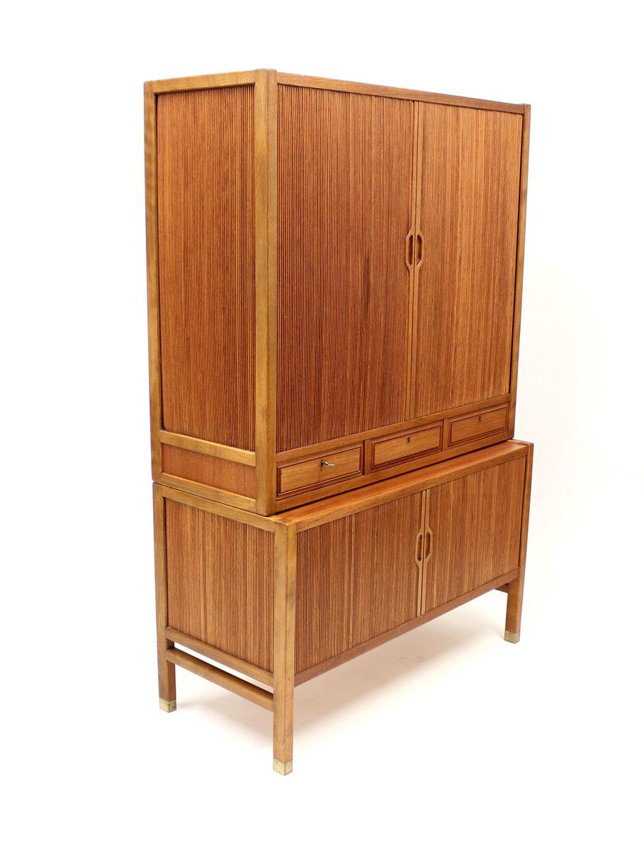 schwedischer teak schrank mit rollt ren von carl axel acking f r bodafors 1950er bei pamono kaufen. Black Bedroom Furniture Sets. Home Design Ideas