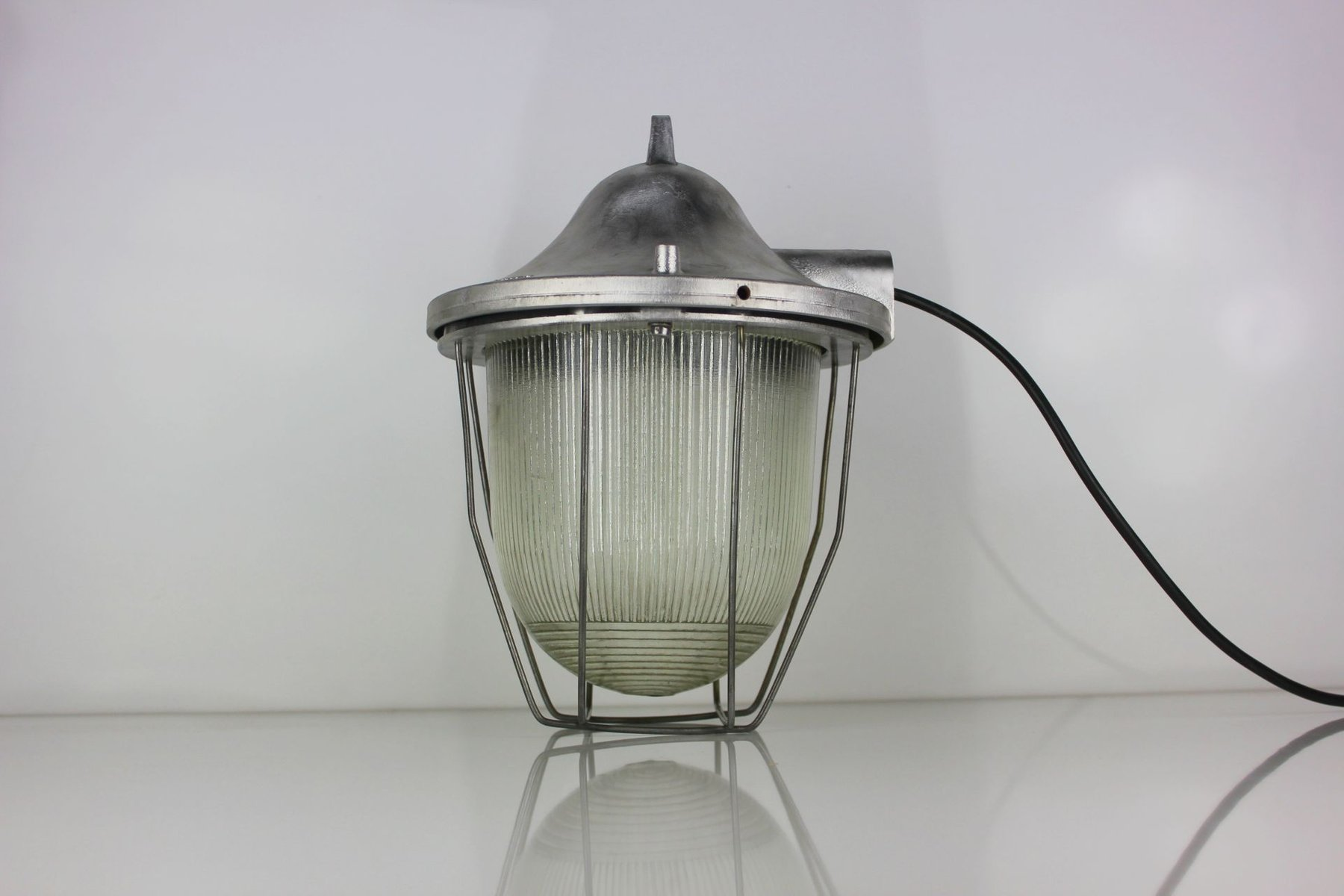 modell c 200 industrie lampe von polam gda sk 1960er bei pamono kaufen. Black Bedroom Furniture Sets. Home Design Ideas
