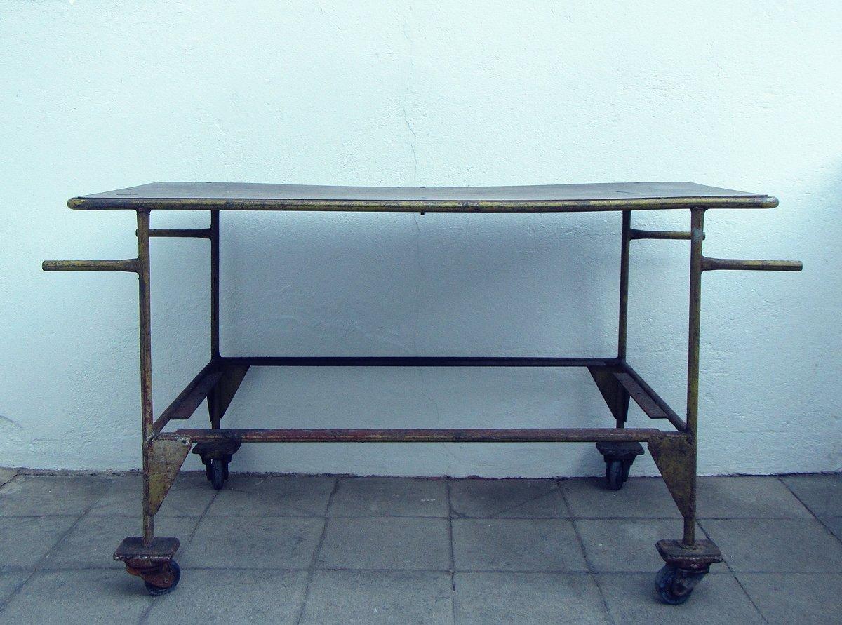belgischer industrie metall tisch 1960er bei pamono kaufen. Black Bedroom Furniture Sets. Home Design Ideas