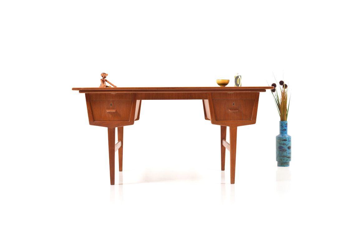 d nischer ausziehbarer mid century teak schreibtisch bei pamono kaufen. Black Bedroom Furniture Sets. Home Design Ideas