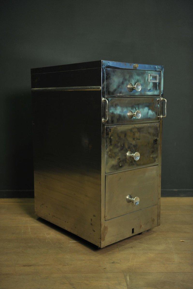 vintage edelstahl kommode auf rollen bei pamono kaufen. Black Bedroom Furniture Sets. Home Design Ideas