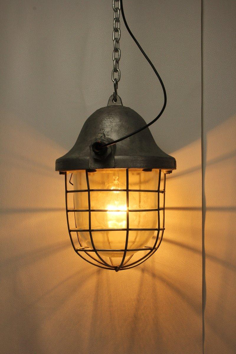 gro e industrielle vintage fabriklampe aus stahl 1970er. Black Bedroom Furniture Sets. Home Design Ideas