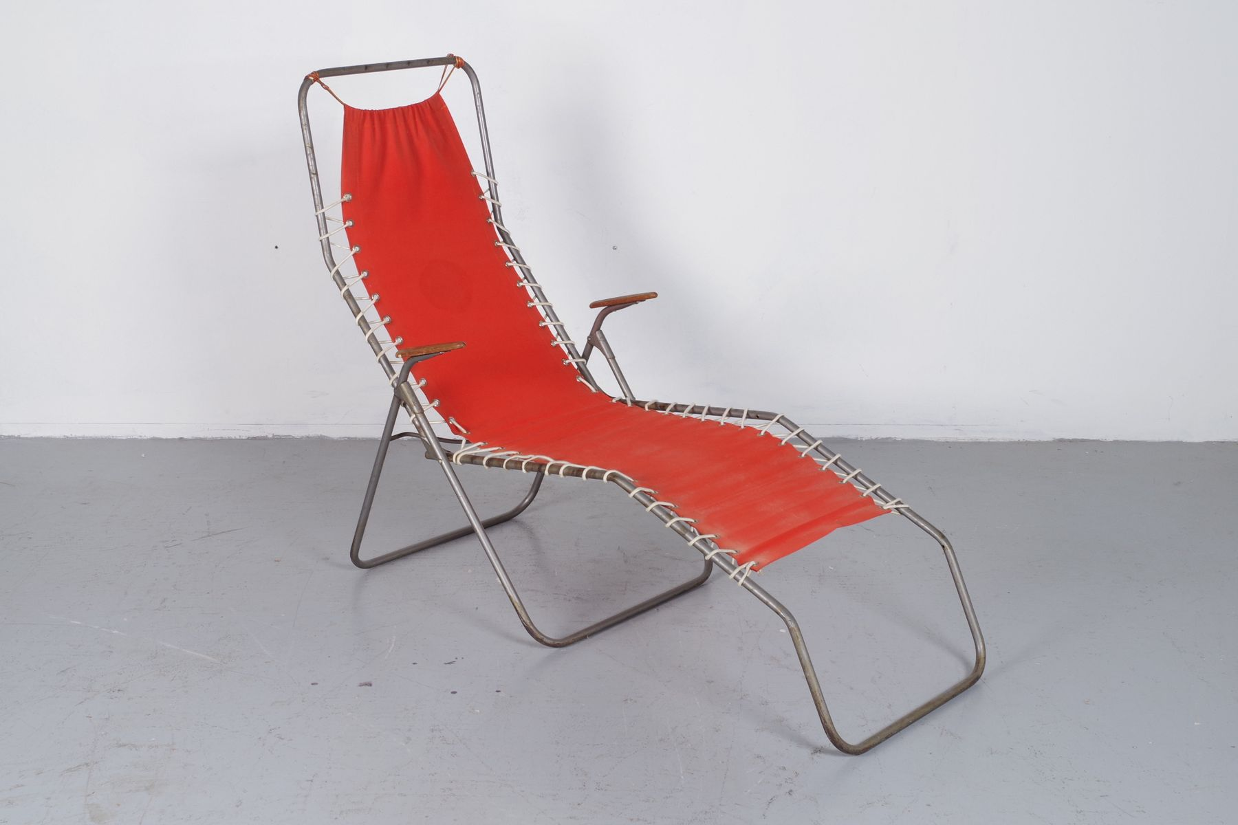 Foldable Beach Chair 1950s for sale at Pamono