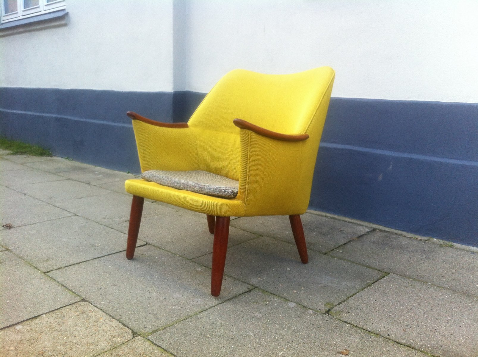 Danish Mid Century Modern Easy Chair In Yellow Wool With Teak Accents,  1950s For Sale At Pamono