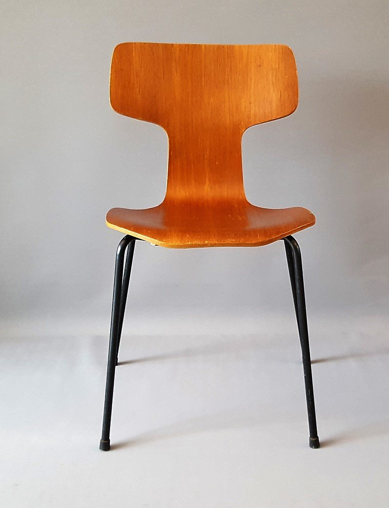 Model 3103 hammer chair by arne jacobsen for fritz hansen for Arne jacobsen nachbau
