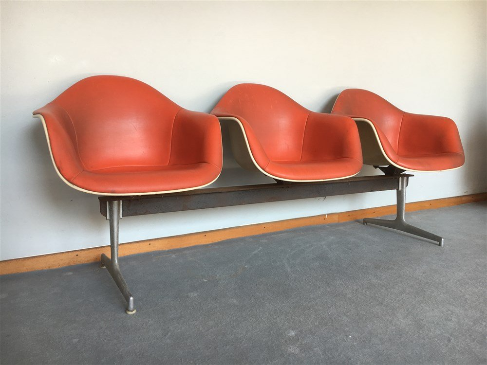 Mid Century Fiberglass U0026 Leatherette Bench By Charles U0026 Ray Eames For  Herman Miller