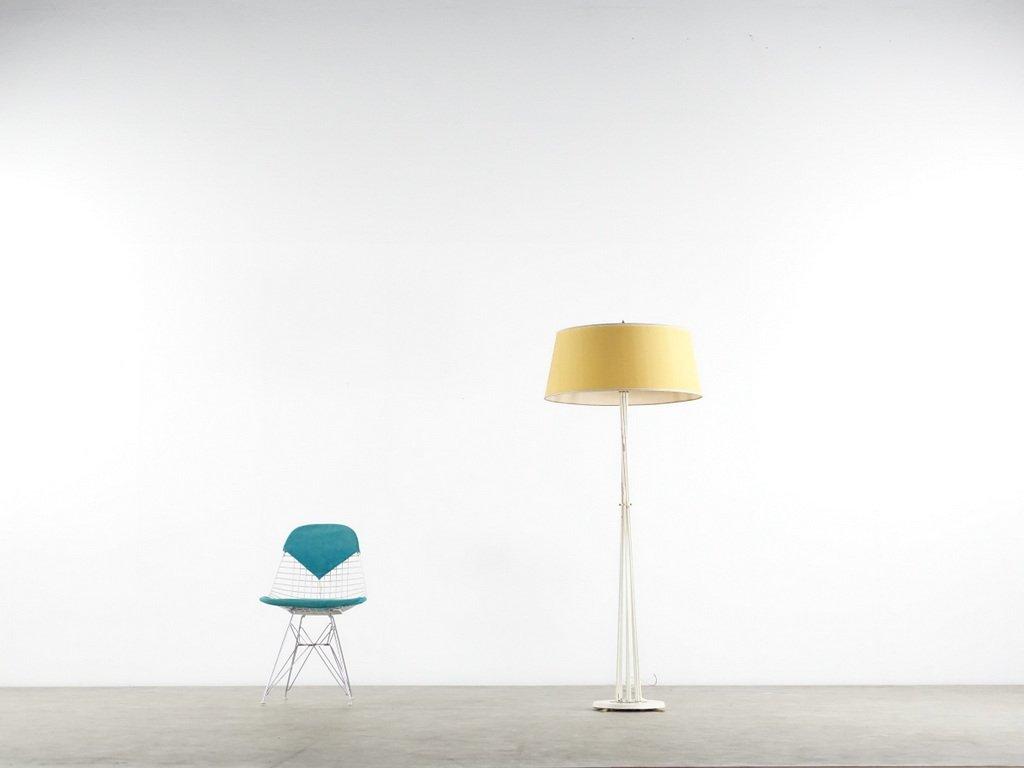 messing stehlampe mit gelben lampenschirm 1950er bei pamono kaufen. Black Bedroom Furniture Sets. Home Design Ideas
