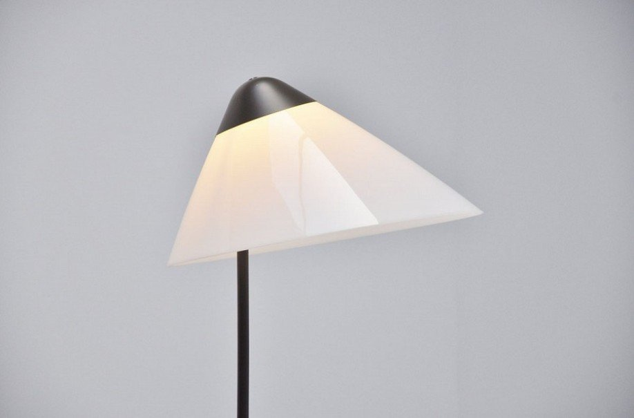 opala stehlampe von hans j wegner f r louis poulsen 1975. Black Bedroom Furniture Sets. Home Design Ideas