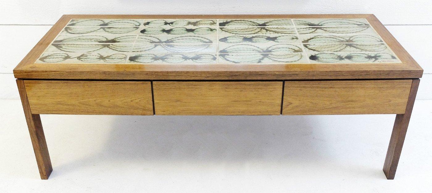 niedriger tisch spiegel mit kacheln von poul jensen l. Black Bedroom Furniture Sets. Home Design Ideas