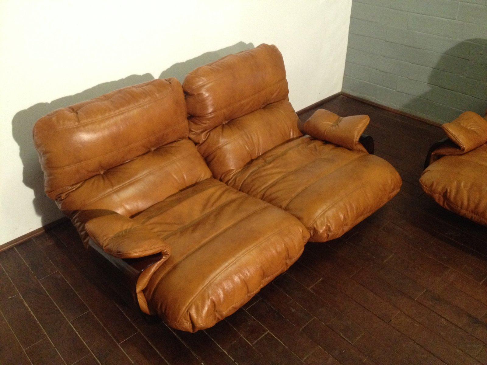 cognac farbene marsala ledersessel von michel ducaroy f r ligne roset 1970er 2er set bei. Black Bedroom Furniture Sets. Home Design Ideas